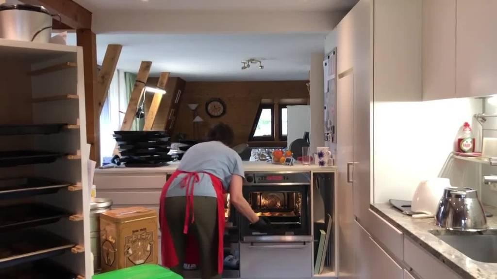 Sevelerin bäckt fast eine halbe Tonne Guetzli