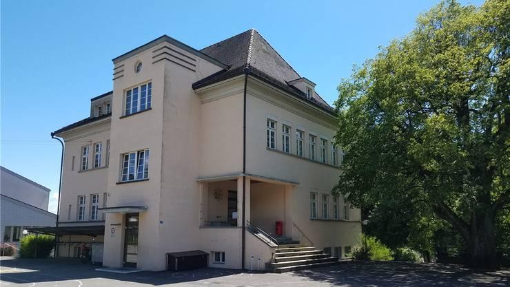 Die «Alte Schule» soll mit dem Gemeindehaus bald einen Wärmeverbund bilden.