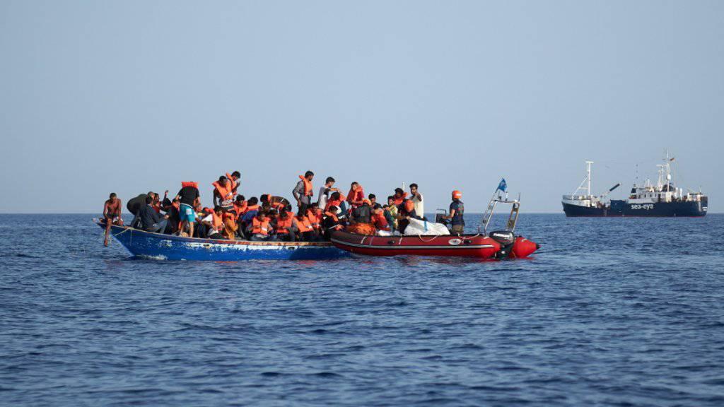 Mehr als 100 Vermisste nach Untergang von Flüchtlingsboot