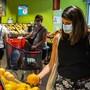 St. Gallen hat sich als erster Kanton gegen eine Maskenpflicht in Läden entschieden.