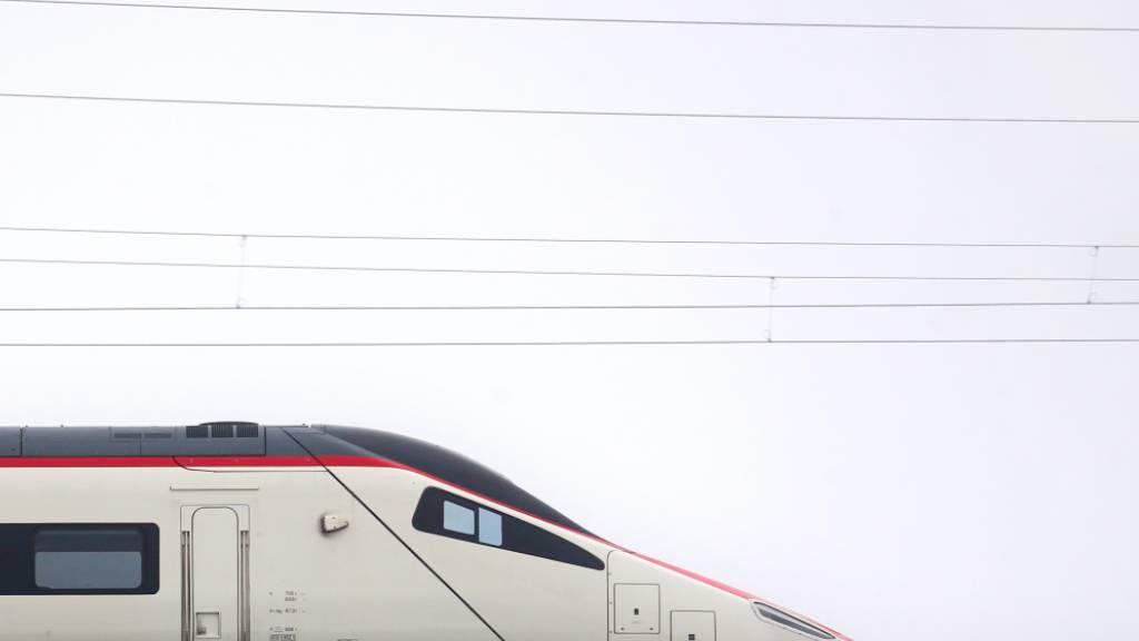 Ab 2022 obliegt der Unterhalt der Hochgeschwindigkeitszüge «Astoro» dem SBB-Industriewerk Castione-Arbedo.