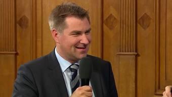 Hat gut Lachen: Der SVP-Präsident ist höchst zufrieden mit dem heutigen und dem Gesamtergebnis aller Wahlen 2015.