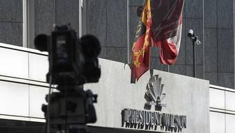 Im Genfer Hotel President Wilson verhandelten Kerry und Lawrow bereits im September - nun kehren die beiden für Syrien-Gespräche in die Rhonestadt zurück. (Archivbild)