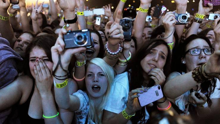 Vor allem der jüngeren Generation fehlt es, Events zu besuchen. (Symbolbild)