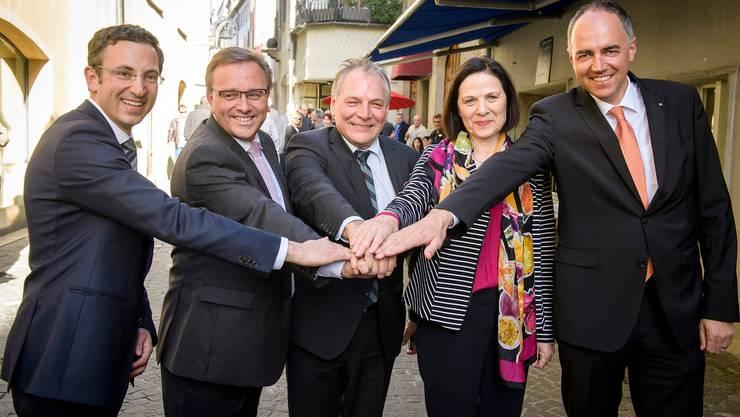 Die heutige Walliser Regierung – rechts im Bild der aktuelle Präsident Christophe Darbellay – bei der Wahl 2017.