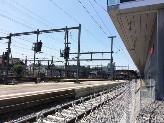 ... und wurden von einem Güterzug erfasst, der ohne Halt durch den Bahnhof Aarau fuhr.