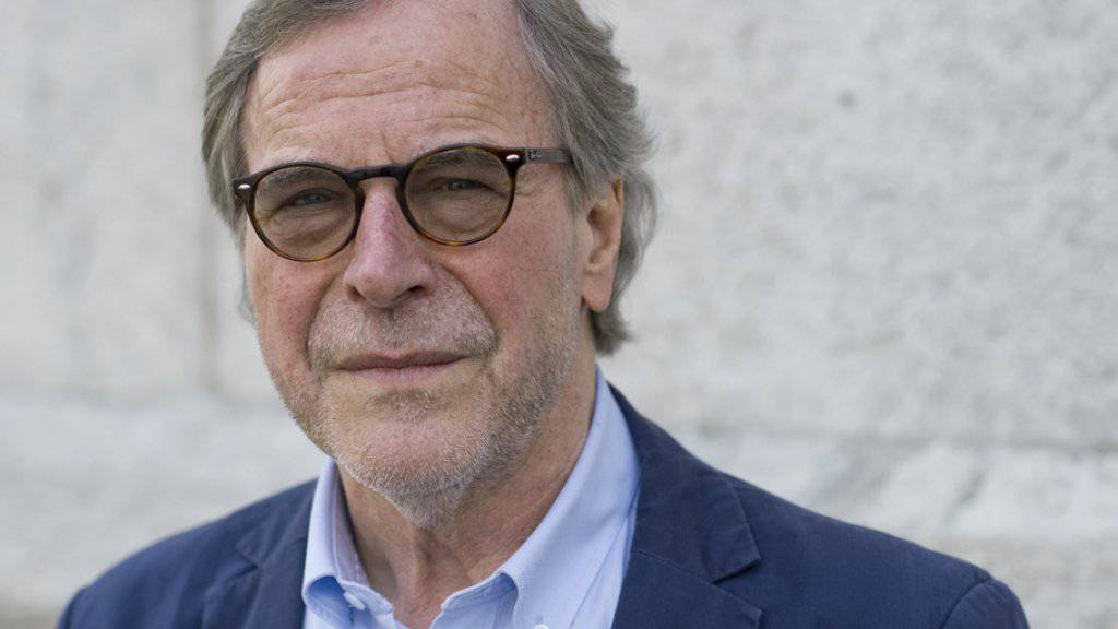 Erneut für sein literarisches Schaffen ausgezeichnet: Der Aargauer Schriftsteller Klaus Merz erhält den mit 15'000 Euro dotierten Christine Lavant Preis 2018. (Archivbild)