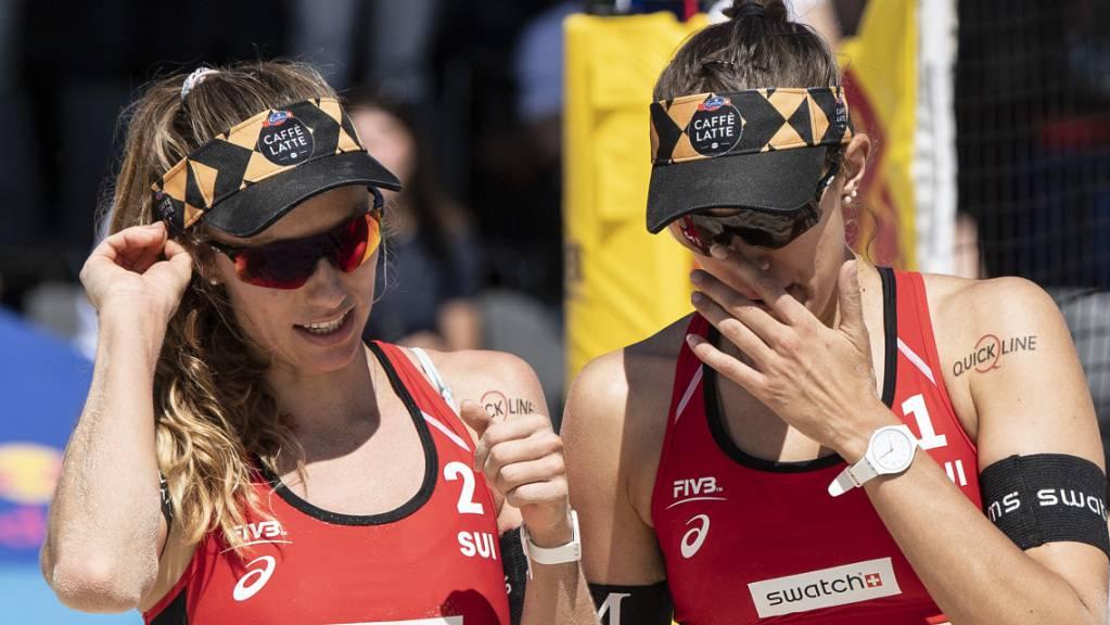 Nina Betschart (links) und Tanja Hüberli verlieren den Viertelfinal in Gstaad, dürfen aber dennoch zuversichtlich an die Olympischen Spiele in Tokio reisen.