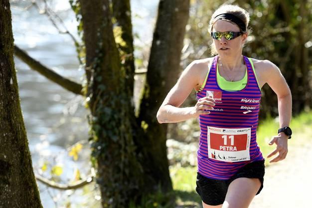 Eggenschwiler gewinnt mit einem 4:58 Minuten Vorsprung auf die Vorjahressiegerin Joana Umricht.