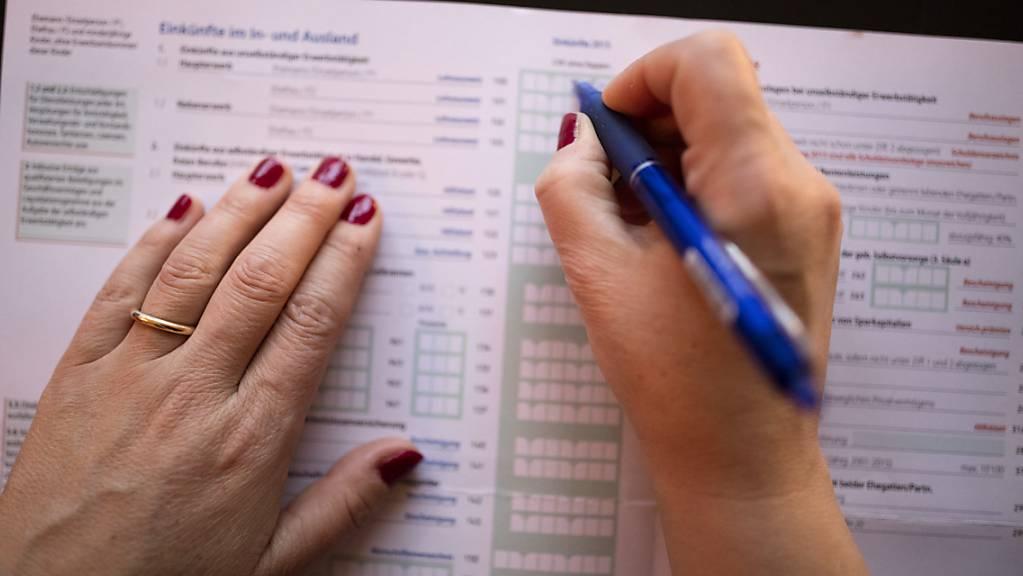 Im Kanton Schaffhausen kann die Steuererklärung in Zukunft auch elektronisch ausgefüllt und abgegeben werden. (Symbolbild)