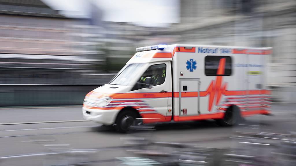 Nach einem Verkehrsunfall in Locarno TI ist am Montag ein 83-jähriger Mann gestorben. (Symbolbild)