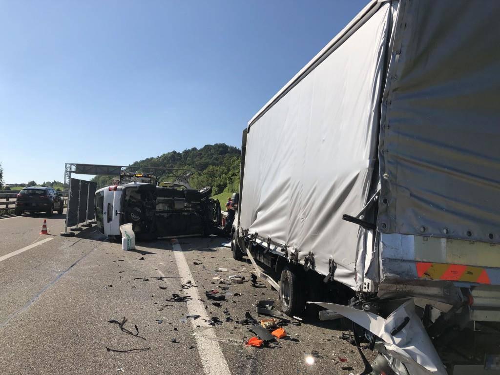 Tödlicher Unfall zwischen Winkeln und Gossau (© Kapo SG)