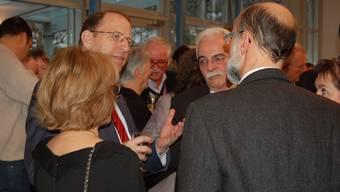 Landammann Peter C. Beyeler, Ammann Franz Nebel und Gemeinderat Reto Fuchs (von links) diskutieren die Zukunft des Fleckens.  Urs Ammann