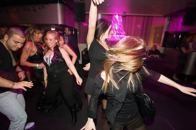 «Junge lassen sich das Feiern nicht verbieten»: Partygänger in Zürich (Archivbild 2008)