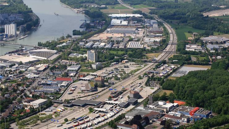 Tödlicher Auffahrunfall auf der Autobahn bei Weil am Rhein (Symbolbild)