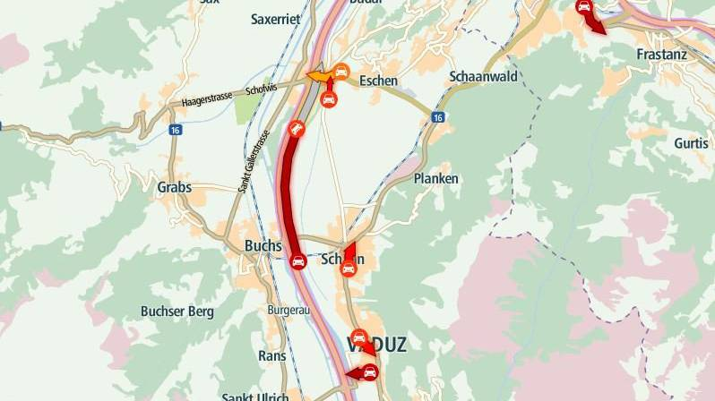 Die Verkehrssituation auf der A13 bei Buchs kurz vor 18 Uhr.