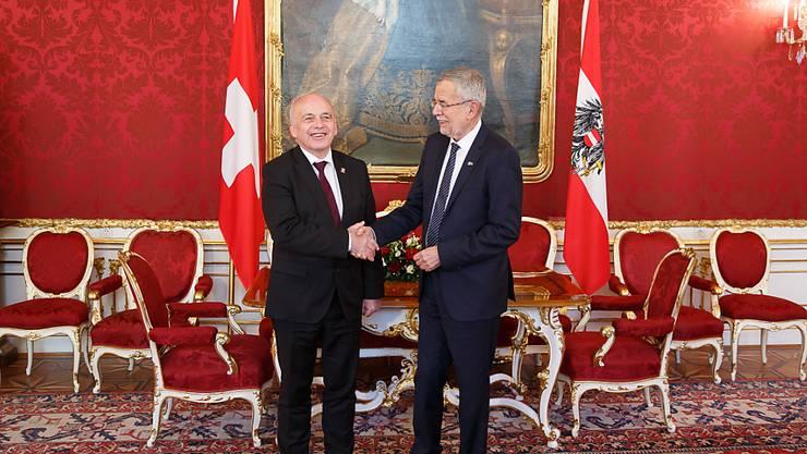 Ueli Maurer (links) und Alexander Van der Bellen am Freitag in Wien.
