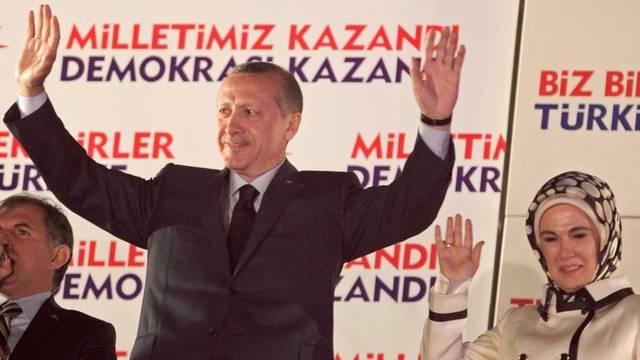 Der türkische Ministerpräsident Erdogan mit seiner Frau