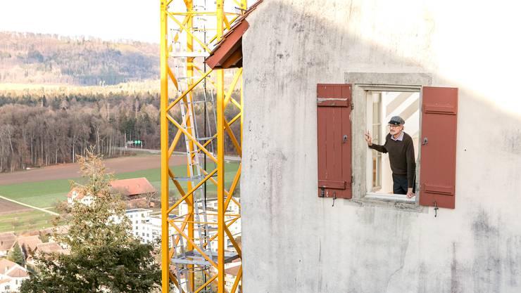 Geschäftsführer Peter Jud genoss aus seiner Wohnung im Schloss Lenzburg den schönsten Weitblick der Stadt.