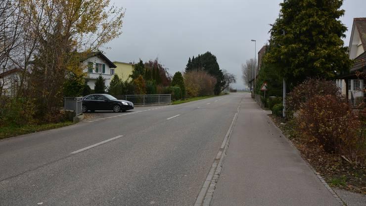 Bei der Einmündung des Bruggweges in die Gäustrasse in Kestenholz ereignete sich der Unfall am 27. Juni 2012. eva