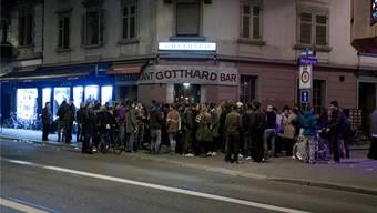 Lärmende Partygäste auf der Langstrasse sind ein Ärgernis. key