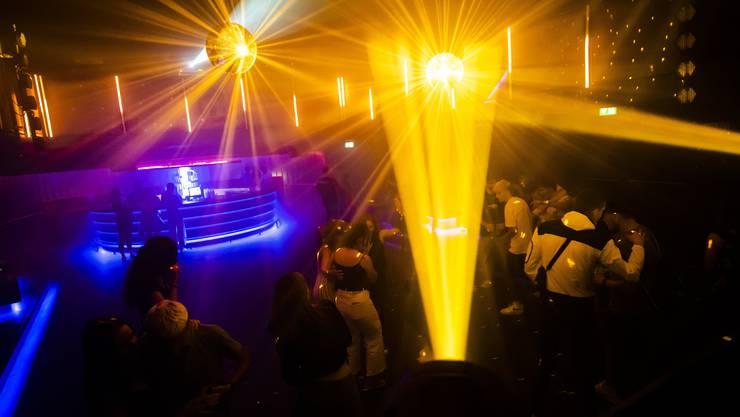Die Genfer Behörden schliessen alle Nachtclubs im Kanton vorerst bis zum 23. August. (Symbolbild)