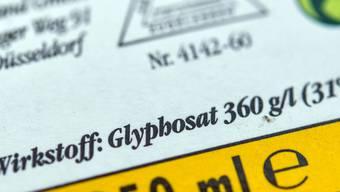 Glyphosat in Unkrautvernichtungsmittelen steht in Verdacht, krebserregend zu sein. (Archivbild)
