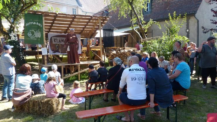 Eintauchen in die teils wilde, recht abenteuerliche Zeit des Mittelalters (800-1500 n.Chr.) konnten am Wochenende die vielen Besucher von nah und fern beim zweiten Mittelalterfest in der schönen Rheinfelder Altstadt.