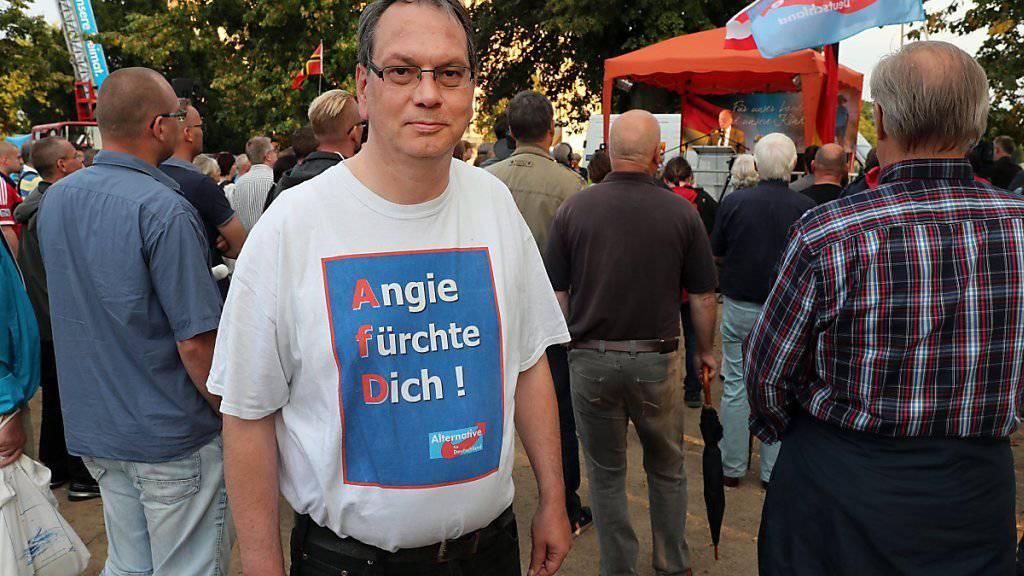 Die Wut der AfD-Anhänger richtet sich vor allem gegen die Flüchtlingspolitik von Bundeskanzlerin Merkel. Tatsächlich dürfte ihre CDU in Mecklenburg-Vorpommern viele Wählerinnen und Wähler verlieren.
