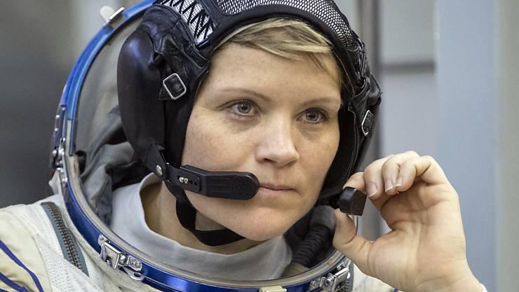 Das passende Oberteil beim Raumanzug fehlt: US-Astronautin Anne McClain muss am Freitag auf einen Ausseneinsatz im All verzichten. (Archivbild)