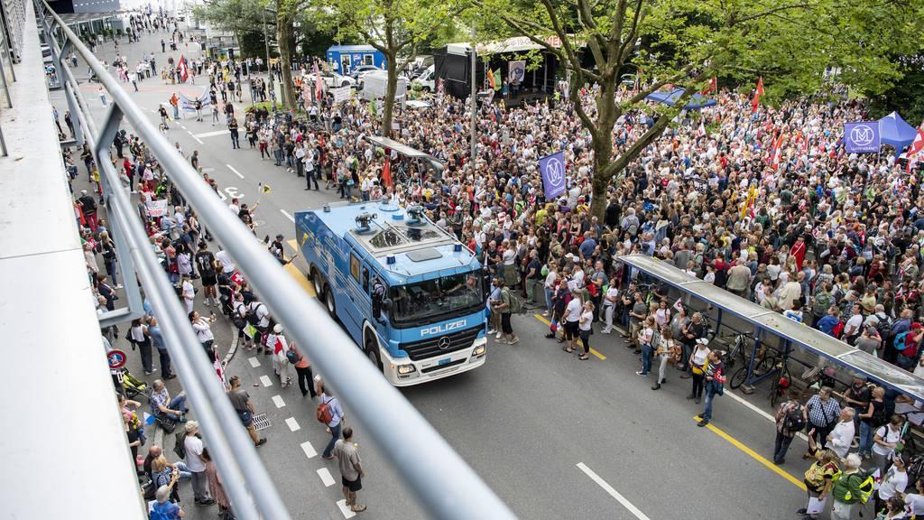 Ein Verletzter und zwei Verhaftungen nach Demos in Luzern