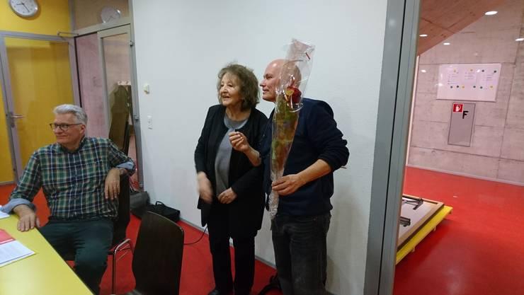 Daniel Thommen und Martin Schällebaum verabschieden Bea Heim aus der aktiven Politik
