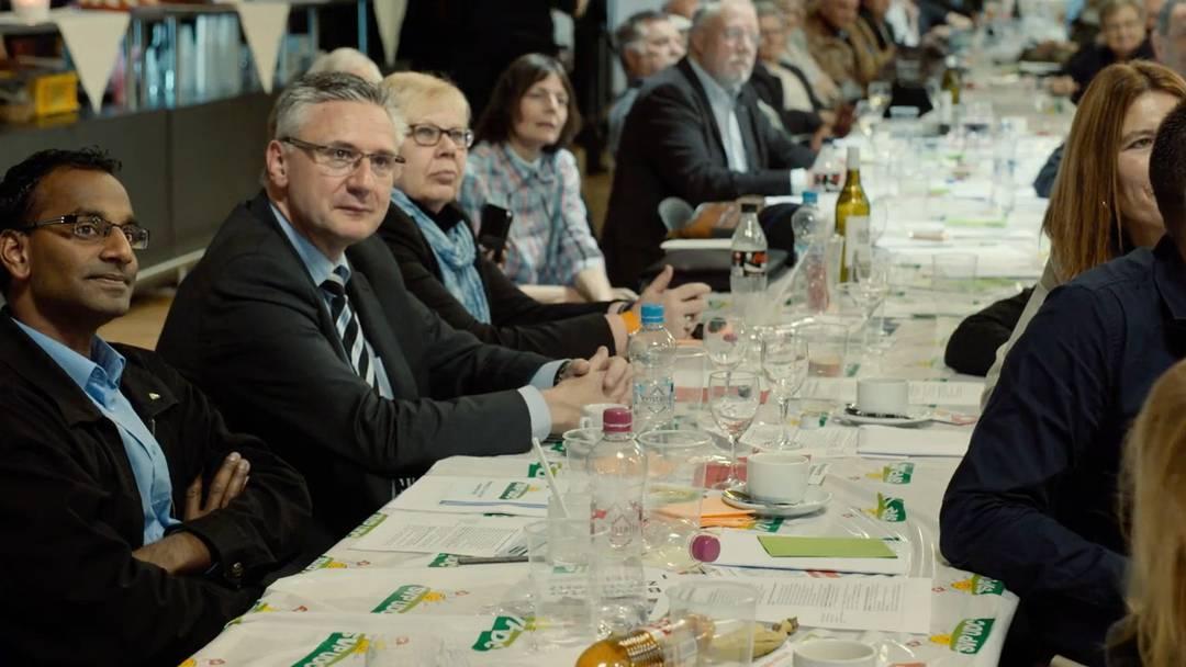 «Die Schweiz wird von muslimisch beherrschten Staaten umgeben sein» – der Trailer zum Film «Willkommen in der Schweiz»