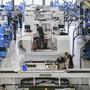 Die Talfahrt der Schweizer Wirtschaft geht weiter. Der Geschäftslageindikator der Konjunkturforschungsstelle der ETH Zürich ist im Oktober gesunken. Insbesondere die Industrie leidet. (Symbolbild)