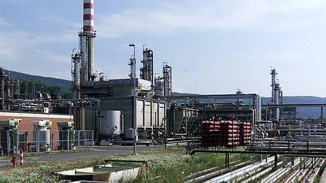 Die Raffinerie Cressier der Betreiberin Petroplus (Archiv)