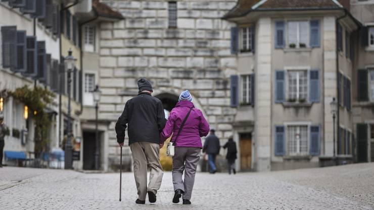 Eine neue Studie malt ein dunkles Bild: Aufgrund der alternden Gesellschaft kommen hohe Kosten auf Solothurner Gemeinden zu.