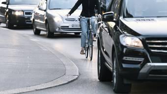 Die Rämistrasse ist dem Zürcher Stadtparlament zu unattraktiv und unsicher für Velofahrer. (Symbolbild)