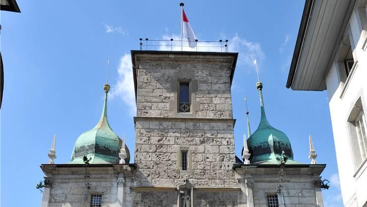 Möglich bleiben alle Arten von Listenverbindungen bei den Nationalratswahlen, nicht aber auf kantonaler und kommunaler Ebene (Solothurner Rathaus).