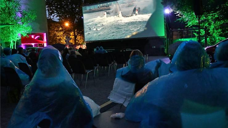 Rund einen Fünftel der Besuchereintritte im Kanton Solothurn brachten temporäre Kinos ein. Im Bild das Open-Air-Kino von Youcinema in Olten. Archiv/ Bruno Kissling