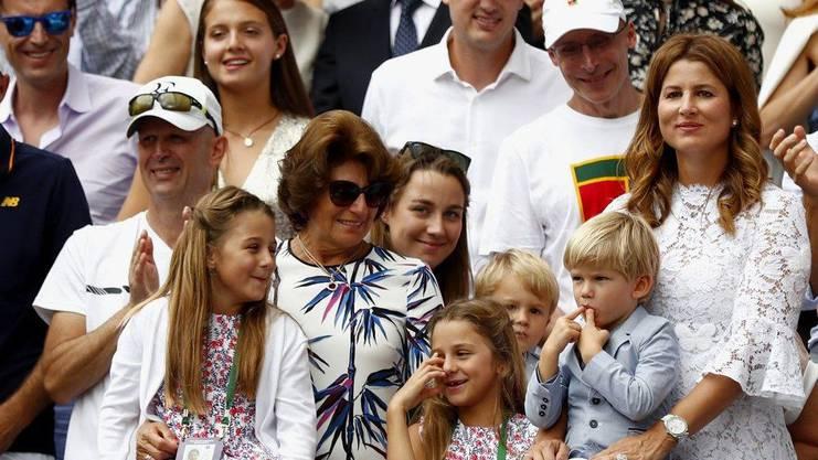 Mirka Federer (r) und die Kinder Charlene, Myla, Leo und Lenny (Archivbild).