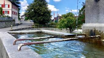 Der Ortsname Fischbach ist ein ursprünglicher Bachname und bezeichnet in seiner ahd. Grundform *fiscbah «Fischbach» ganz einfach einen fischreichen Bach. Walter Christen
