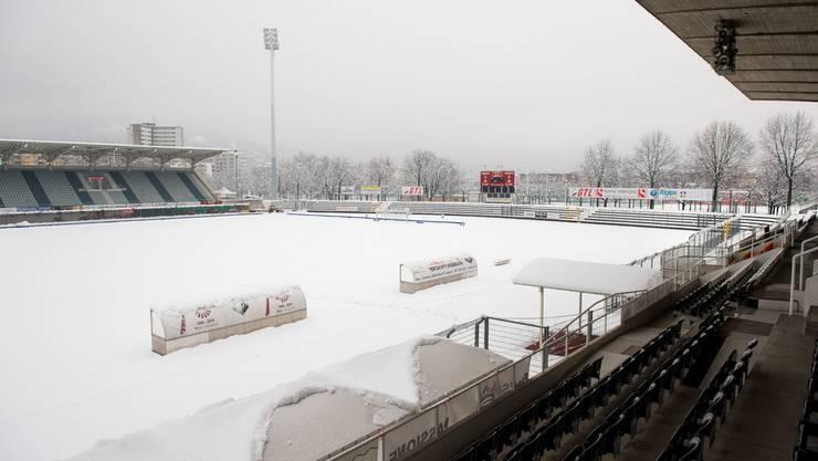 Das verschneite Stadion Cornaredo des FC Lugano, in dem am Samstag, 5. März, das Spiel gegen den FC Basel hätte stattfinden sollen.