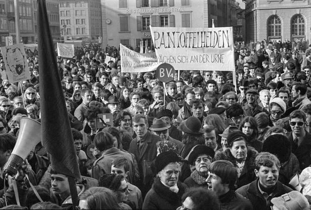 Gemässigte Frauenrechtlerinnen hatten eine Tagung am 1. März 1969 im Berner Kursaal vorgezogen.