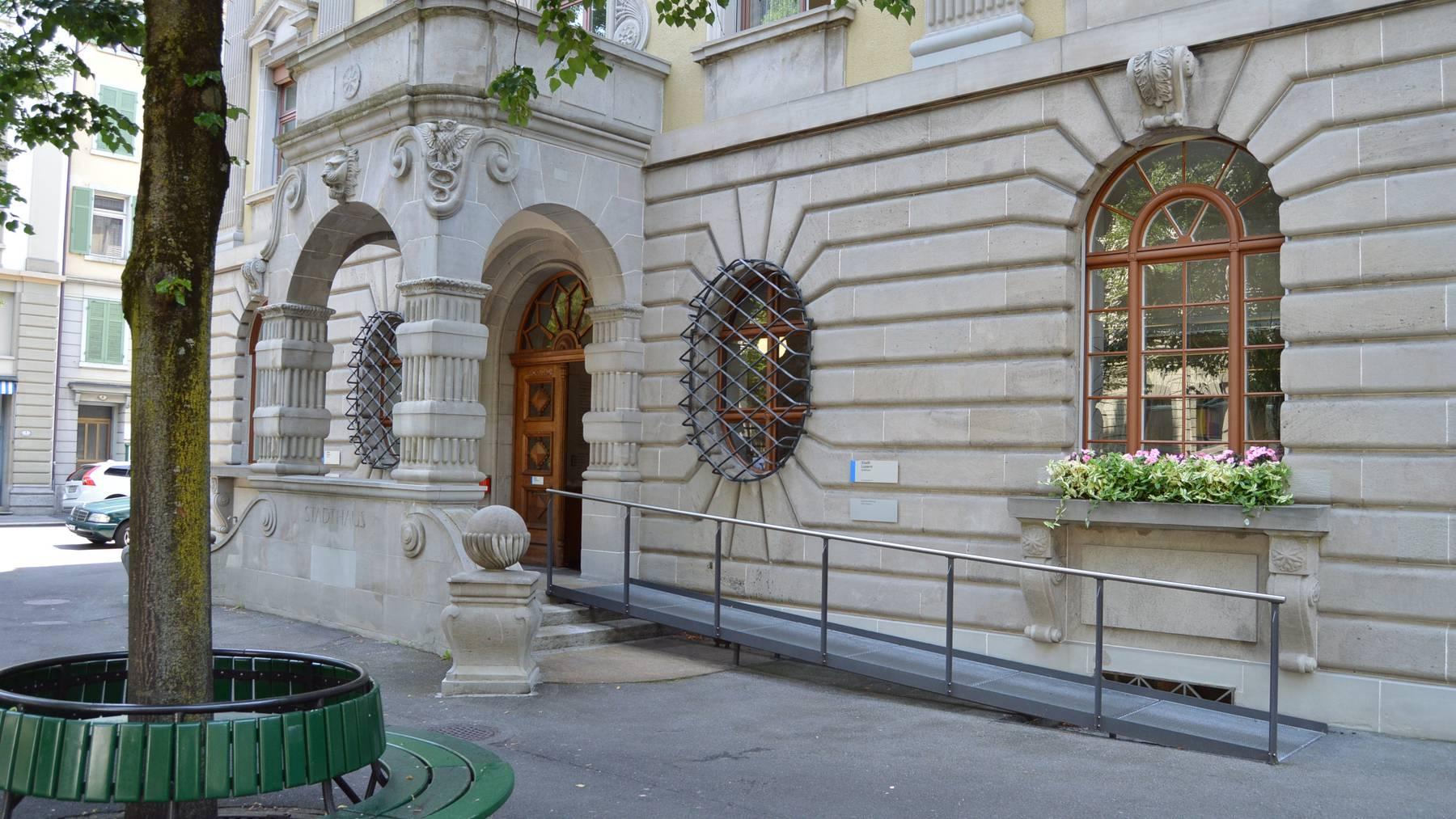 Luzern: Stadt will weg von Akten in Papierform
