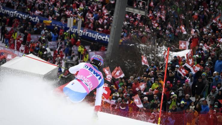 Daniel Yule im Wengener Steilhang, den er im zweiten Lauf mit der besten Abschnittszeit hinter sich brachte. (Bild: Anthony Anex/Keystone; 19. Januar 2020)
