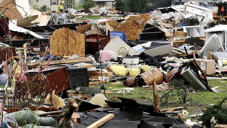 Der Tornado zog eine Spur der Verwüstung durch den Wohnwagenpark in Chetek.