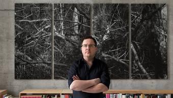 Andreas Seibert in seiner Loft in Unterwindisch. Er hat sich von der Presse- Richtung Kunstfotografie gewandt.