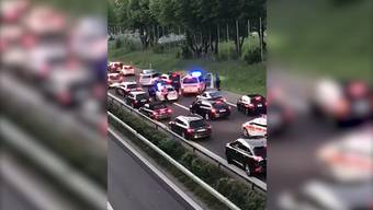 Ein 29-jähriger Schweizer flüchtete am Sonntagabend vor einer Polizeikontrolle. Erst nach mehr als 30 Kilometern konnte er gefasst werden.