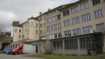 Die grosse Effingerhof-Liegenschaft steht zum Verkauf. Der Stadtrat will sie zwar nicht kaufen, kann sich aber an der Museumstrasse die neue Stadtbibliothek vorstellen.cm
