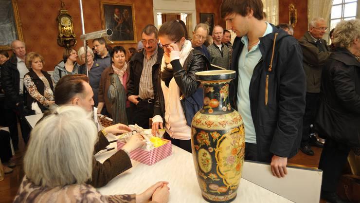 Während dieser Zeit konnte man einmal im Jahr seine (vermeintlichen) Schätze ins Museum Blumenstein bringen und von Experten schätzen lassen.
